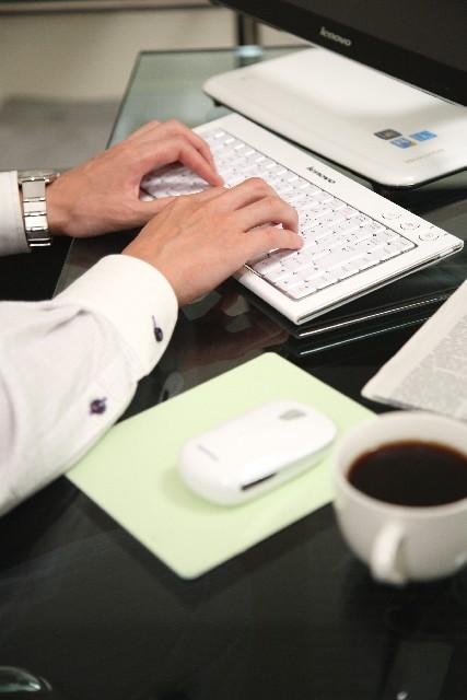 ホームページを24時間働く営業マンにするために100記事書く